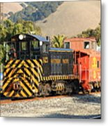 Historic Niles Trains In California . Old Southern Pacific Locomotive And Sante Fe Caboose . 7d10821 Metal Print