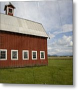 Historic Red Barn Metal Print by Bonnie Bruno