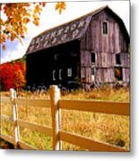 Old Barn In Autumn Metal Print