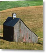 Old Palouse Barn Metal Print