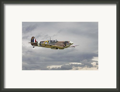 317 Sqdn Spitfire Framed Print By Pat Speirs