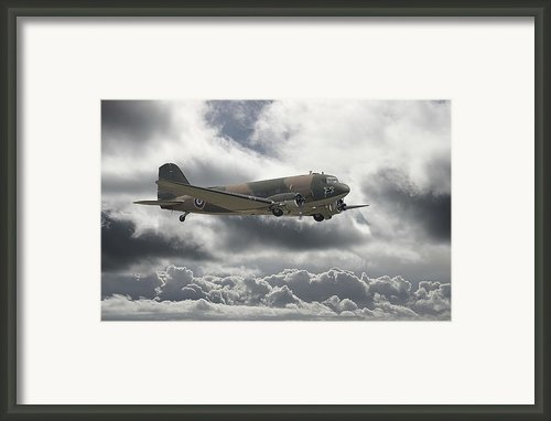 Dc3 Dakota   Workhorse Framed Print By Pat Speirs