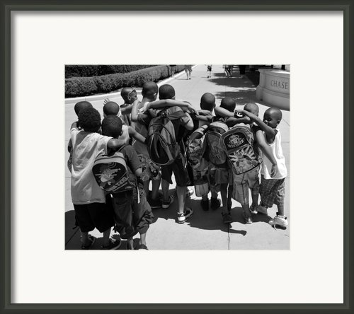 Best Friends Framed Print By Art Kardashian