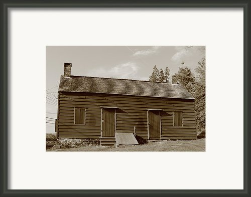 Farmhouse  Framed Print By Frank Romeo