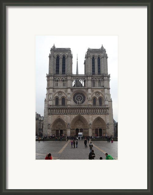 Paris France - Notre Dame De Paris - 01135 Framed Print By Dc Photographer