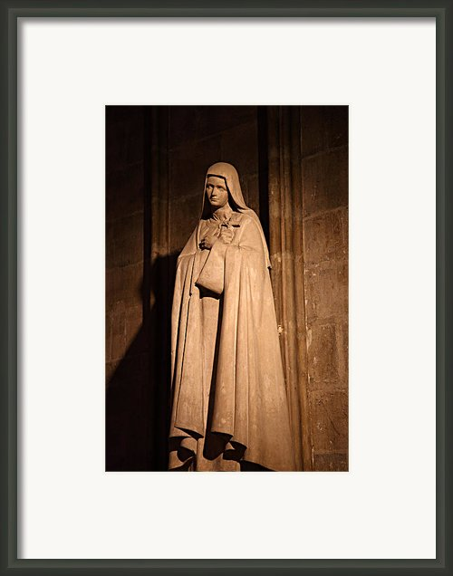 Paris France - Notre Dame De Paris - 01139 Framed Print By Dc Photographer