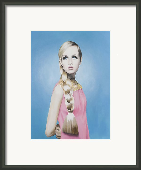 Portrait Of Twiggy Framed Print By Moe Notsu
