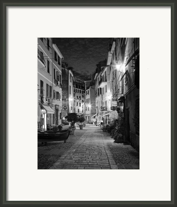 Vernazza Italy Framed Print By Carl Amoth