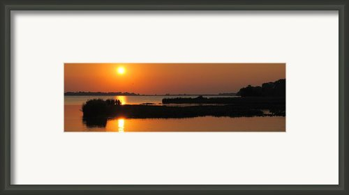 Panoramic Sunset Framed Print By Robert Harmon