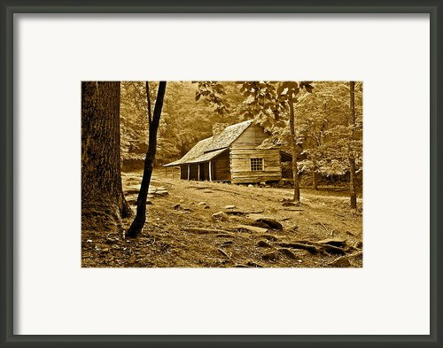 Smoky Mountain Cabin Framed Print By Robert Harmon