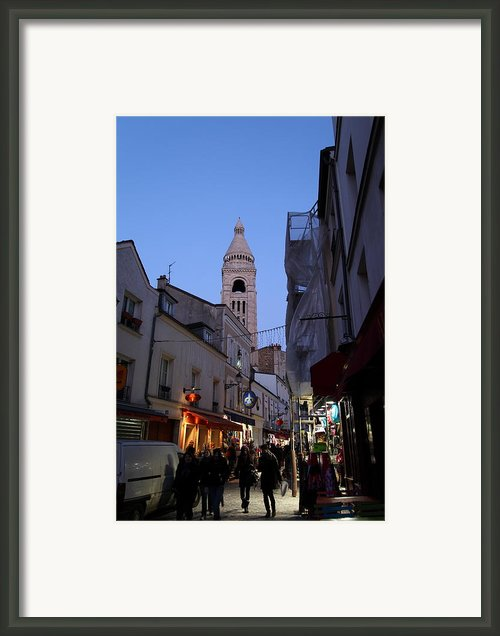 Street Scenes - Paris France - 01131 Framed Print By Dc Photographer
