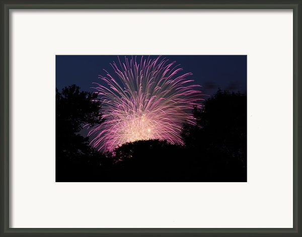 4th Of July Fireworks - 01132 Framed Print By Dc Photographer