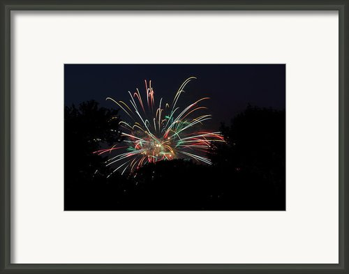 4th Of July Fireworks - 01139 Framed Print By Dc Photographer