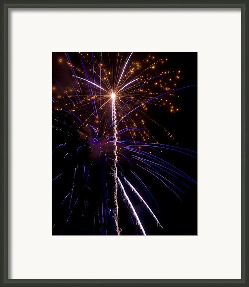4th Of July Fireworks Framed Print By Ray Devlin