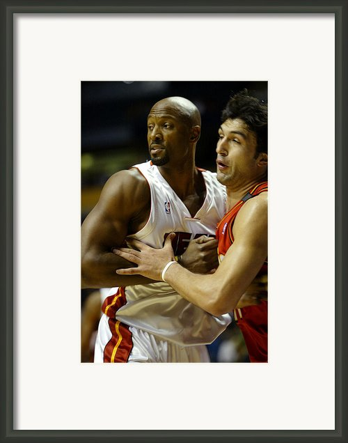 Alonzo Mourning Framed Print By Don Olea