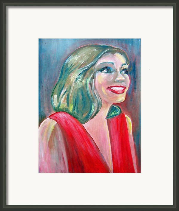 Anne Hathaway In Interview Framed Print By Patricia Taylor
