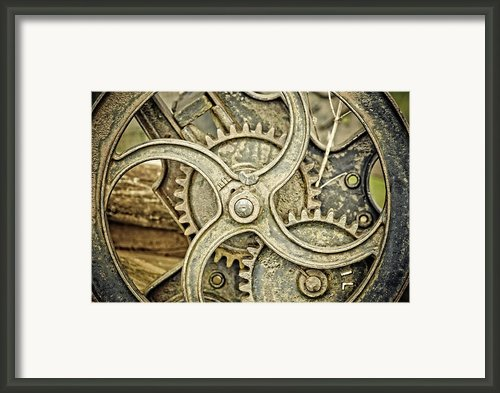 Antique Mangle Wheel Framed Print By Lesley Rigg
