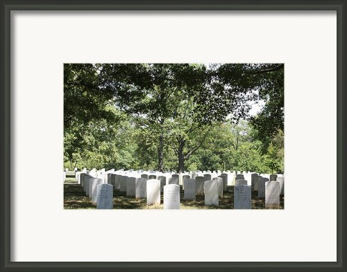 Arlington National Cemetery - 121245 Framed Print By Dc Photographer