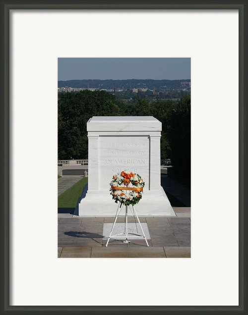 Arlington National Cemetery - Tomb Of The Unknown Soldier - 12121 Framed Print By Dc Photographer
