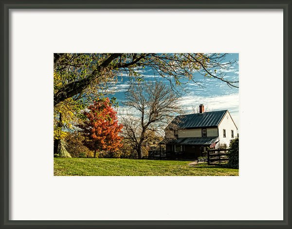 Autumn Farm House Framed Print By Lara Ellis