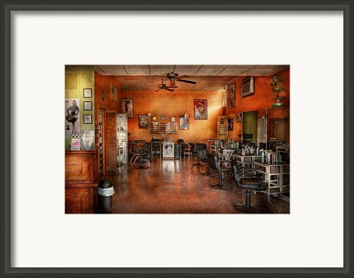 Barber - Union Nj - The Modern Salon  Framed Print By Mike Savad