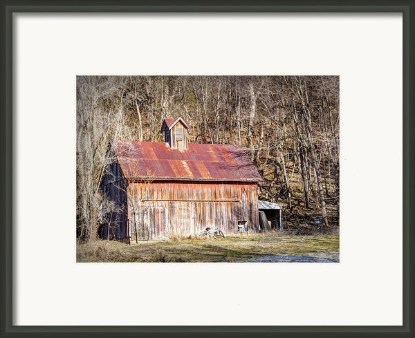 Barn By The Bluffs Framed Print By Cricket Hackmann