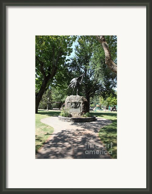 Bear Flag Statue At Sonoma Plaza In Downtown Sonoma California 5d24432 Framed Print By Wingsdomain Art And Photography