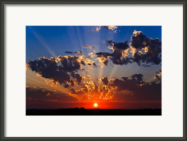 Beautiful Crepuscular Light Sunset Framed Print By Cody Ervin