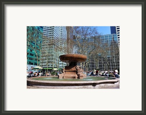 Bryant Park Fountain Framed Print By Tony Ambrosio