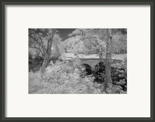 Burnside Bridge 0237 Framed Print By Guy Whiteley