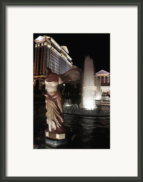 Caesars Fountain Framed Print By Jenny Hudson