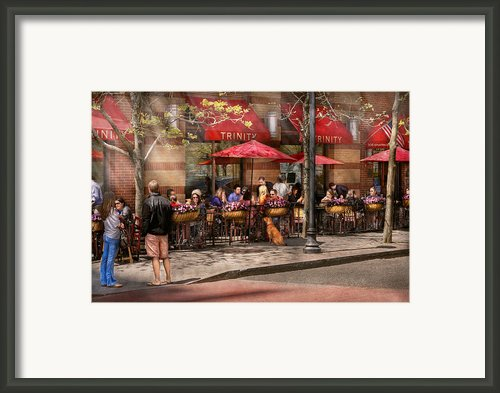 Cafe - Hoboken Nj - Cafe Trinity  Framed Print By Mike Savad