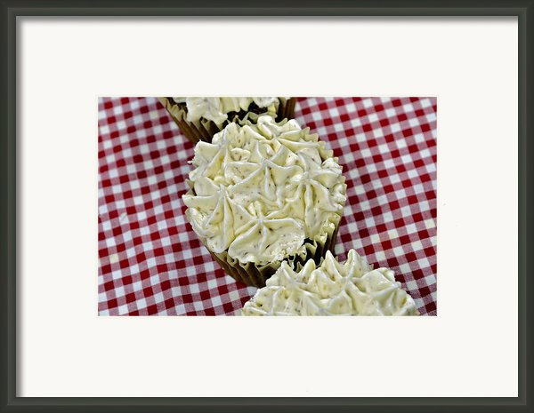 Carrot Cupcakes Framed Print By Susan Leggett