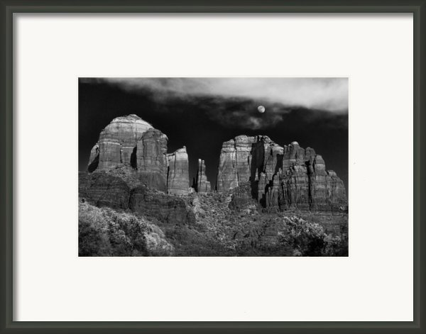 Cathedral Rock Moon Rise Framed Print By Dave Dilli