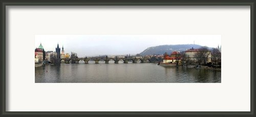 Charles Bridge Framed Print By Gary Lobdell