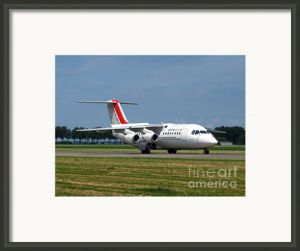 Cityjet British Aerospace Avro Rj85 Framed Print By Paul Fearn