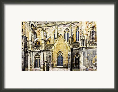 Collegiate St-martin Framed Print By Richard J Thompson