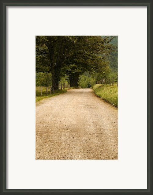 Country Lane - Smoky Mountains Framed Print By Andrew Soundarajan