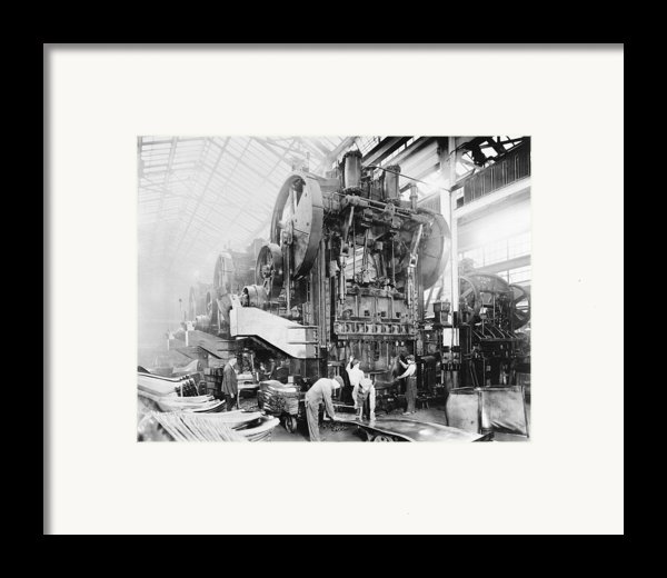 Dodge Brothers Automobile Factory, 1915 Framed Print By Science Photo Library