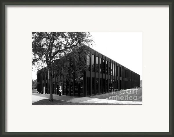 Drake University Meredith Hall Framed Print By University Icons