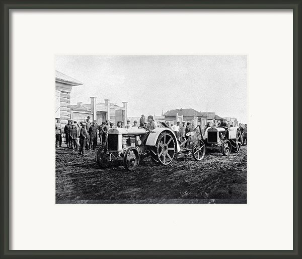 Early Tractors, Russia Framed Print By Science Photo Library