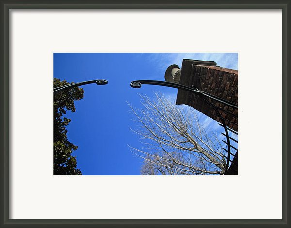 Going To Dumbarton House Framed Print By Cora Wandel