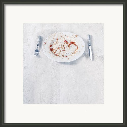 Finished Plate Framed Print By Joana Kruse