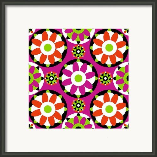 Flower Kisses Framed Print By Lisa Noneman