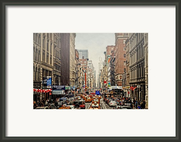 Foggy Day In The City Framed Print By Kathy Jennings