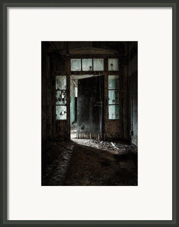 Foreboding Doorway Framed Print By Gary Heller