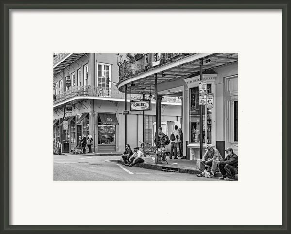 French Quarter - Hangin