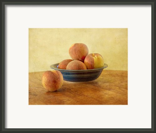 Fresh Peaches Framed Print By Kim Hojnacki