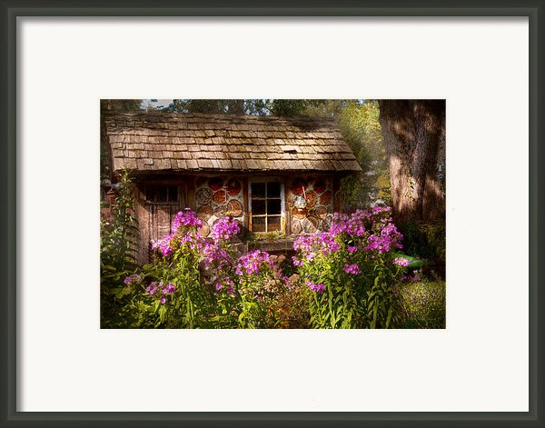 Garden - Belvidere Nj - My Little Cottage Framed Print By Mike Savad