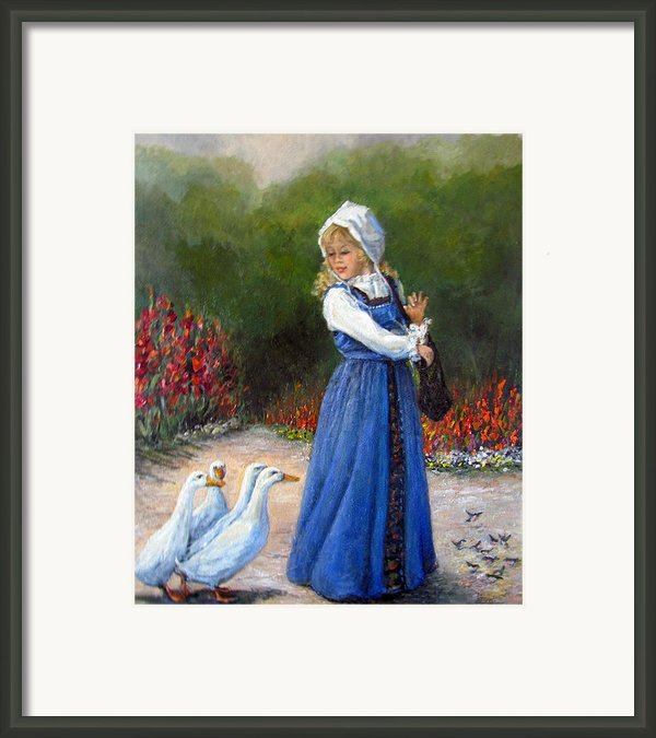 Garden Visitors Framed Print By Donna Tucker